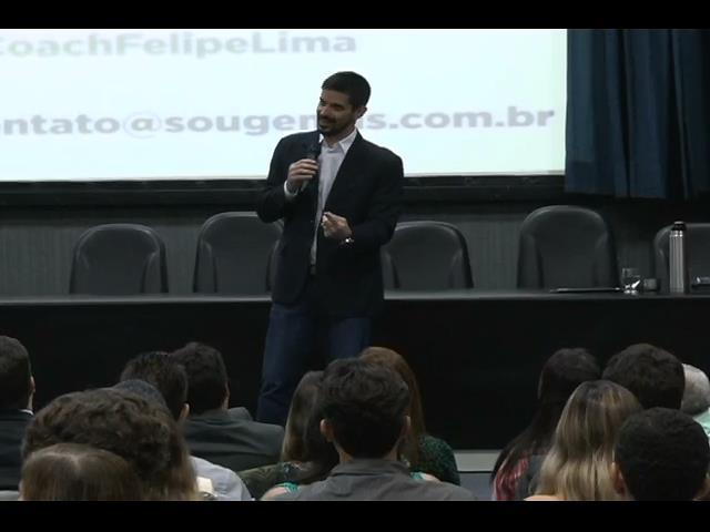 Coach fala sobre eficiência e motivação em palestra na Esmal